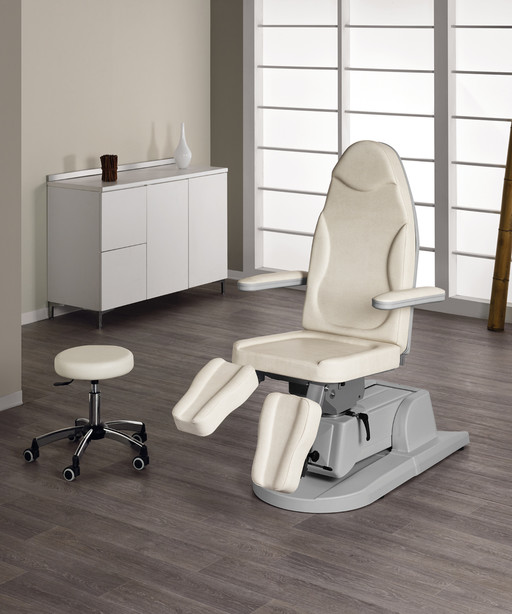 Pedicure chair for beauty centre: Podolux - Medical & Beauty
