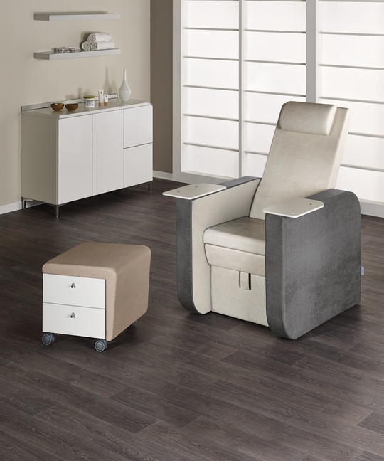 Pedicure chair for beauty centre: Prestige - In foto: MB/PC160 - Colore A: Vintage White G3 / B: Vintage Blue K2 - Medical & Beauty