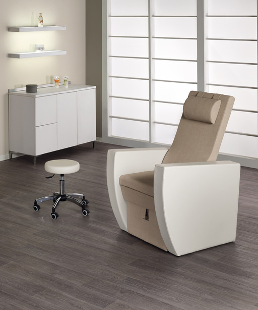 Pedicure chair for beauty centre: Pacific Podo - Medical & Beauty